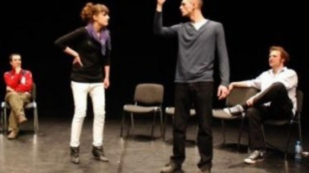 Kabaretowe improwizacje na scenie Alternatora