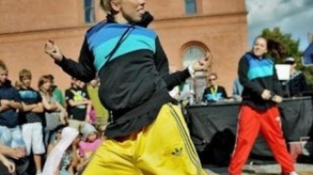 Taniec uliczny na Rynku Nowomiejskim
