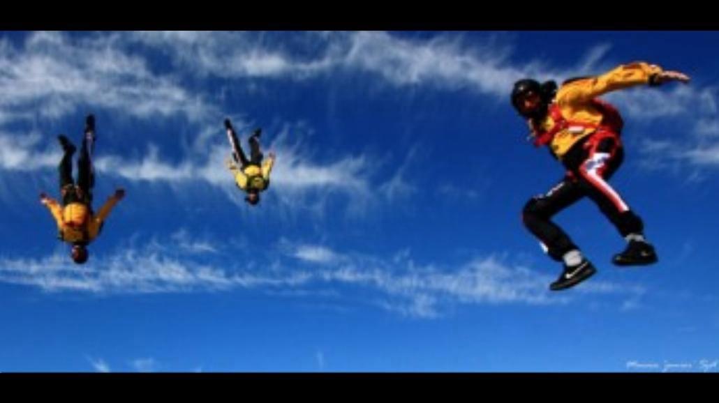 Skoki spadochronowe? Chcesz i skaczesz!