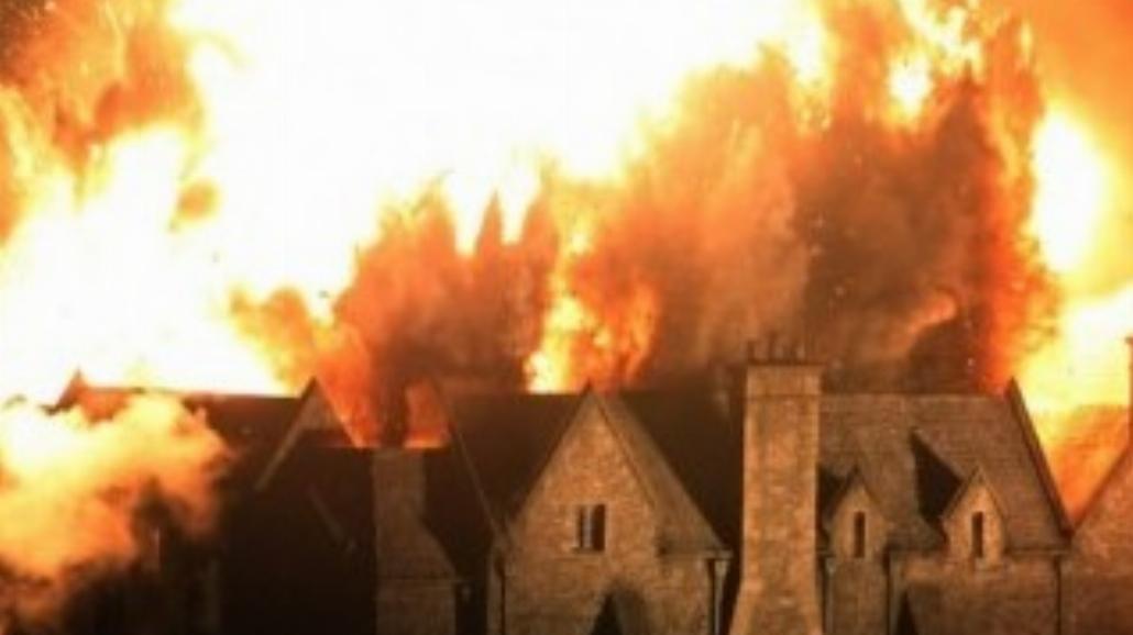 Na planie Skyfall spłonął zamek! Prawdziwy?