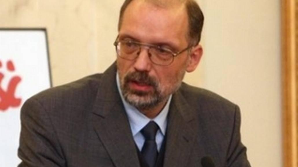 Prof. Nowak laureatem nagrody im. Giedroycia