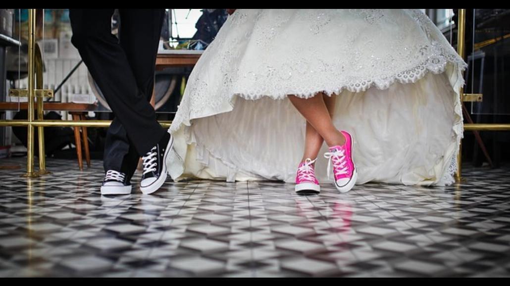 Ile kosztuje ślub w plenerze? Zmiany od 1 marca
