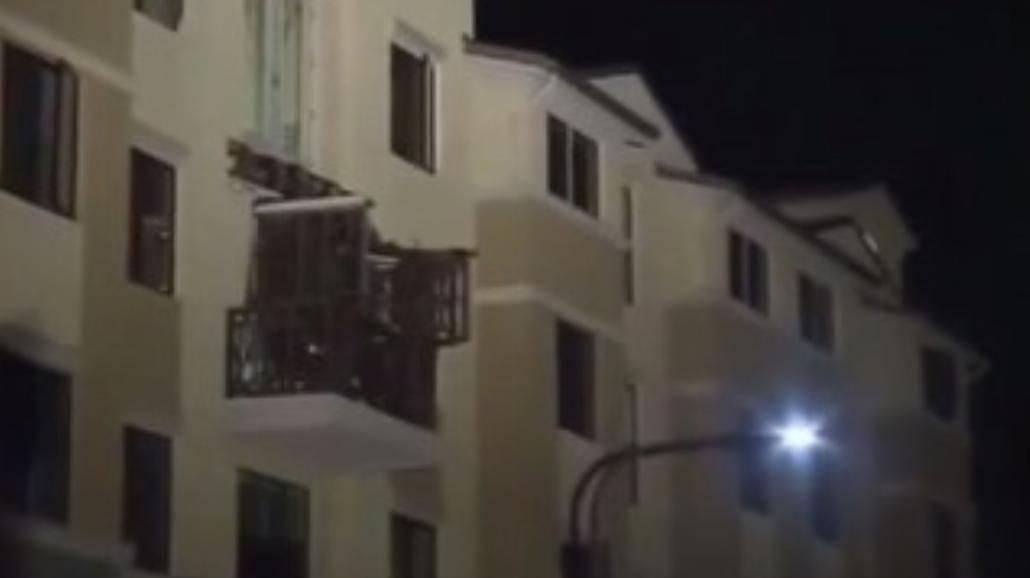 Podczas imprezy zarwał się balkon. Nie żyje sześciu studentów