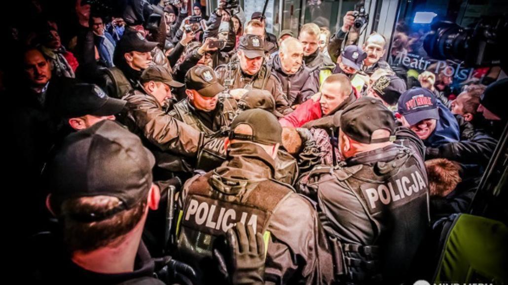 """""""Biała siła, czarna pamięć"""" - spektakl o rasizmie kontrowersyjny już przed premierą"""