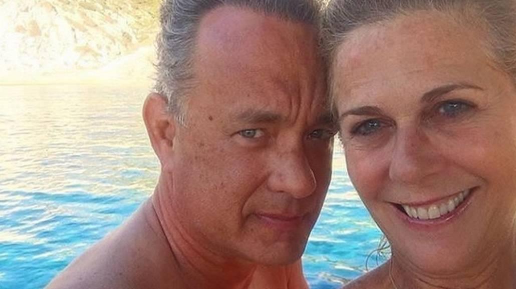 Tom Hanks z Åźoną