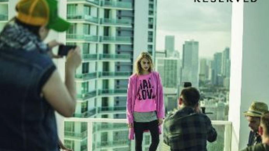 Charakterna 20-latka reklamuje polską markę [FOTO]