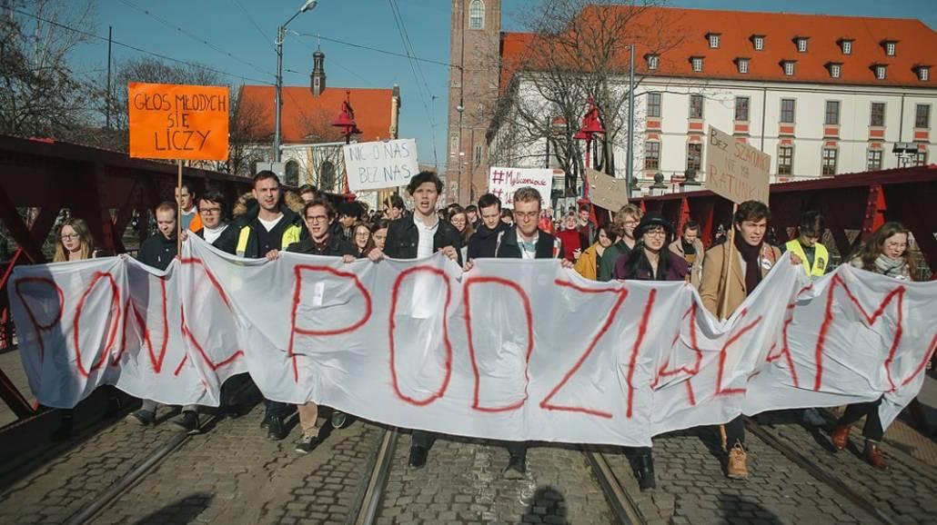 Zobacz zdjęcia z Marszu Ponad Podziałami we Wrocławiu!