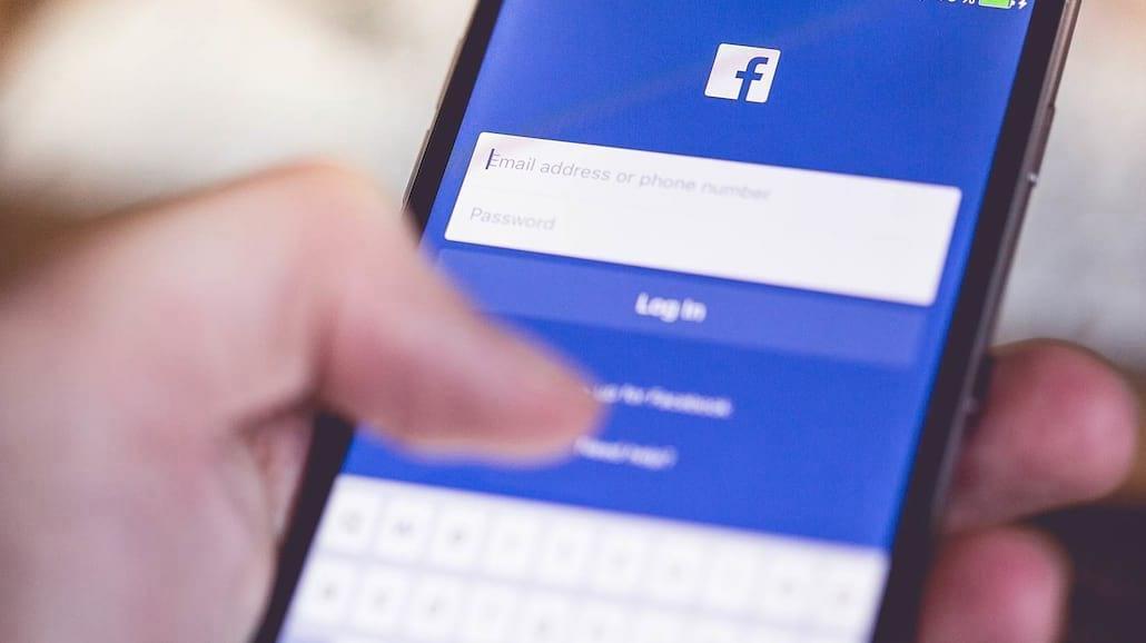 9 najbardziej denerwujących typów osób na facebook'u