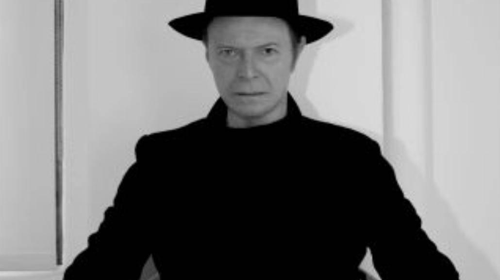 David Bowie czaruje klipem