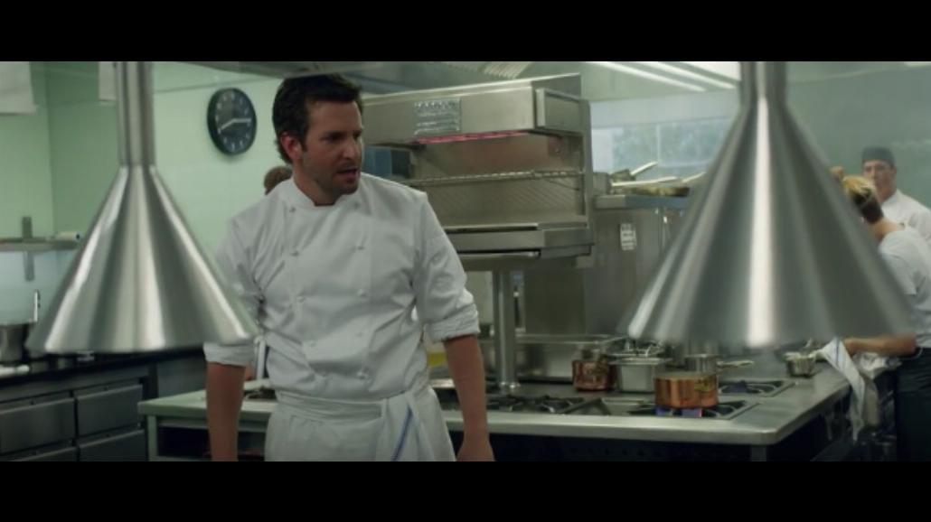 """Bradley Cooper jako szef kuchni w """"Ugotowanym"""" [WIDEO]"""