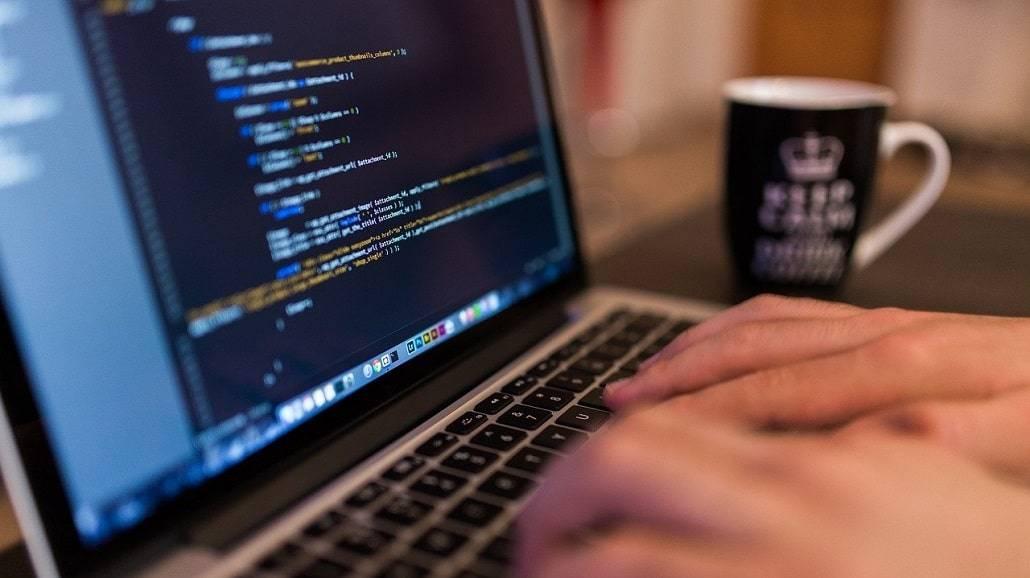 Jaką pastę termoprzewodzącą do laptopa warto wybrać, aby zabespieczyć i sakonserwować sprzęt elektroniczny?