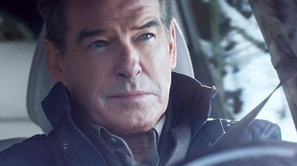 Pierce Brosnan w reklamie na Super Bowl