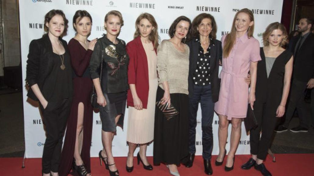 """""""Niewinne"""" gwiazdy na premierze dramatu Anne Fontaine [FOTO]"""