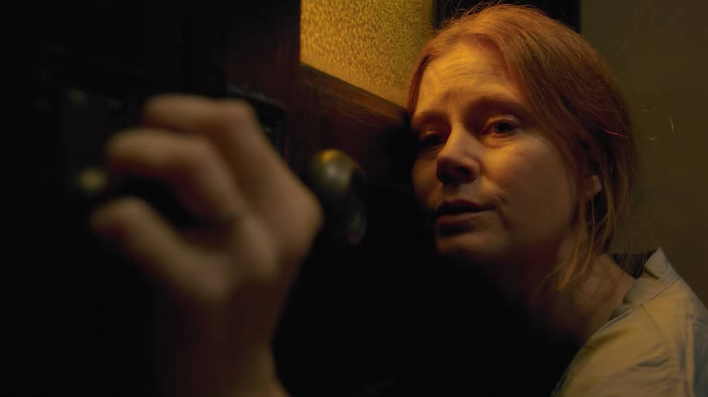 Kobieta w oknie Oficjalny zwiastun