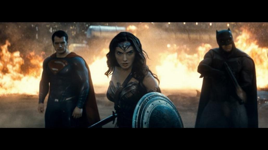 Batman v Superman: Świt sprawiedliwości - smutny koniec początku [RECENZJA]