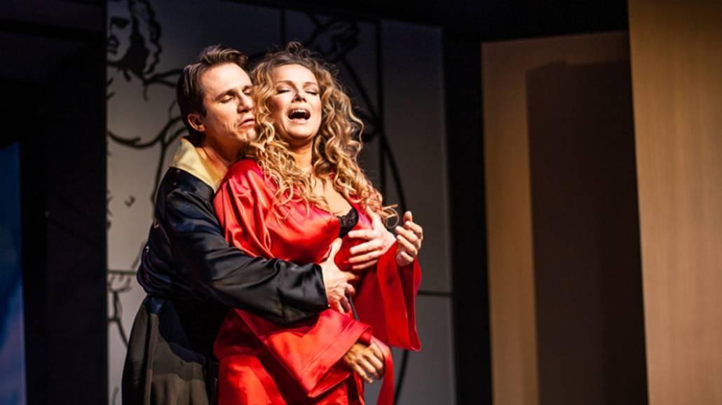 Niespodzianka - Teatr Kamienica