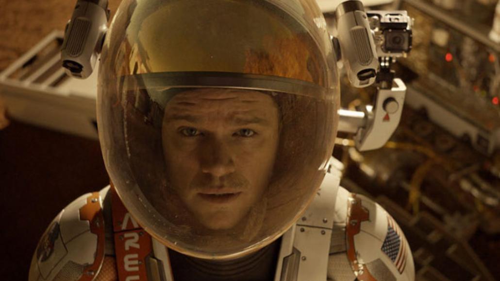 """Matt Damon hoduje roślinki w kosmosie. Zobacz nowy zwiastun """"Marsjanina"""" [WIDEO]"""