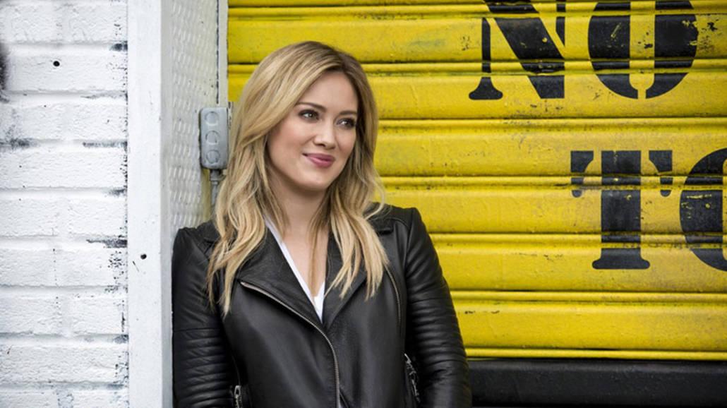 """Hilary Duff w serialu """"Jak poznałam waszego ojca"""" - serial, aktorka, 2021, spin-off, Jak poznałem waszą matkę"""