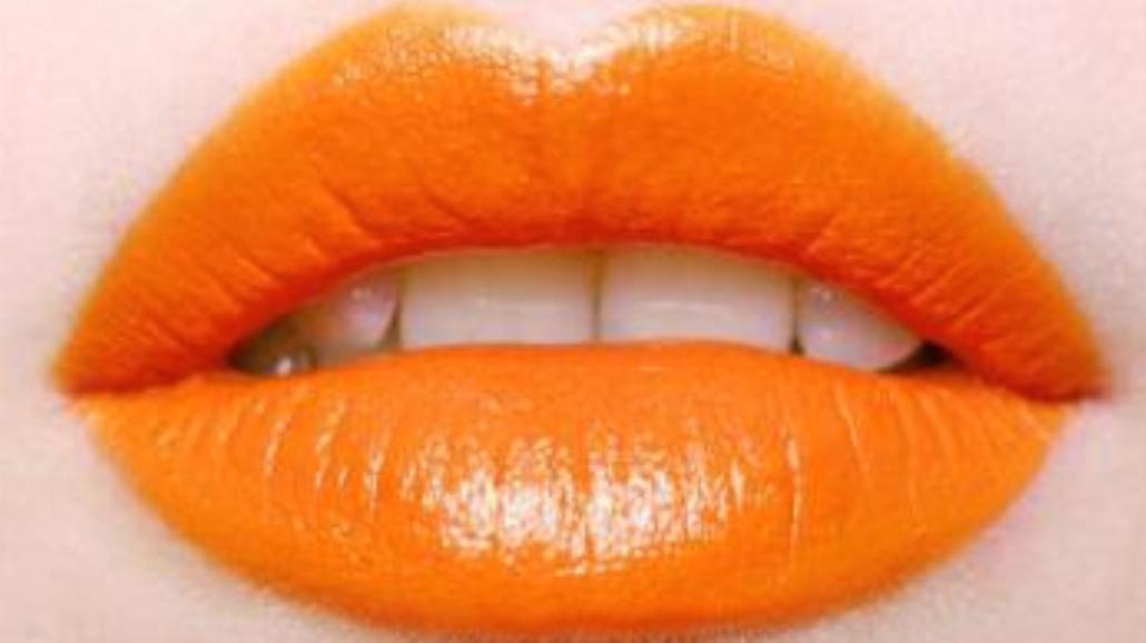Komu pasują pomarańczowe usta?