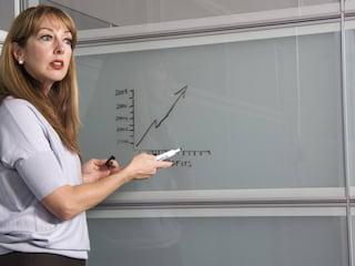 Dlaczego w polskich szkołach brakuje nauczycieli? - braki kadrowe w szkołach, oferty pracy dla nauczycieli, poszukiwani pedagodzy