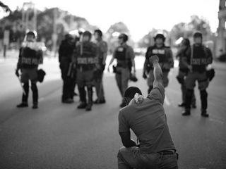 Zamieszki w Louisville. Policja zastrzeliła czarnoskórego restauratora [FOTO] - USA, zdjęcia, 2020, protesty, David McAtee