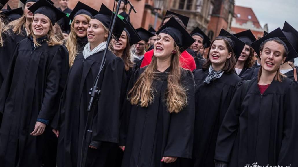 Zobacz zdjęcia z oficjalnego rozpoczęcia roku akademickiego 2018/2019 na wrocławskim rynku.