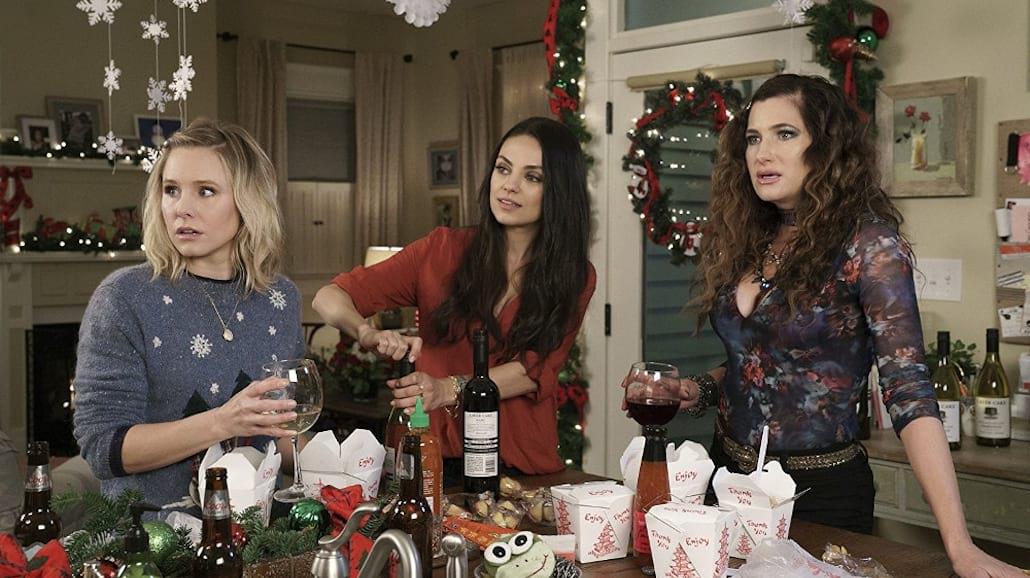 Trzy bohaterki powracają z przytupem i bawią po raz kolejny w drugiej części komedii.