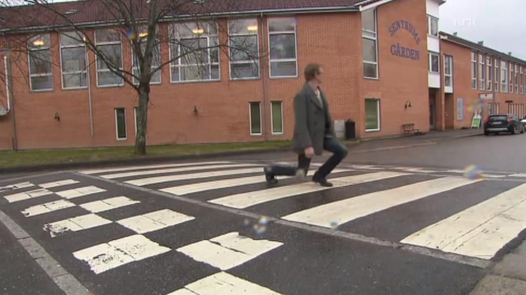HIT! Wioska w Norwegii zrobiła najzabawniejsze... przejście dla pieszych