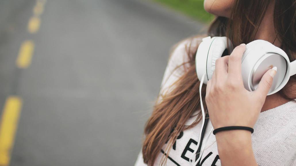 dziewczyna z muzyką