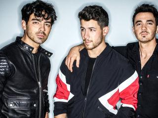 """Jonas Brothers zapowiadają nowy album """"Happiness Begins"""" - płyta, premiera, zespół, 2019"""
