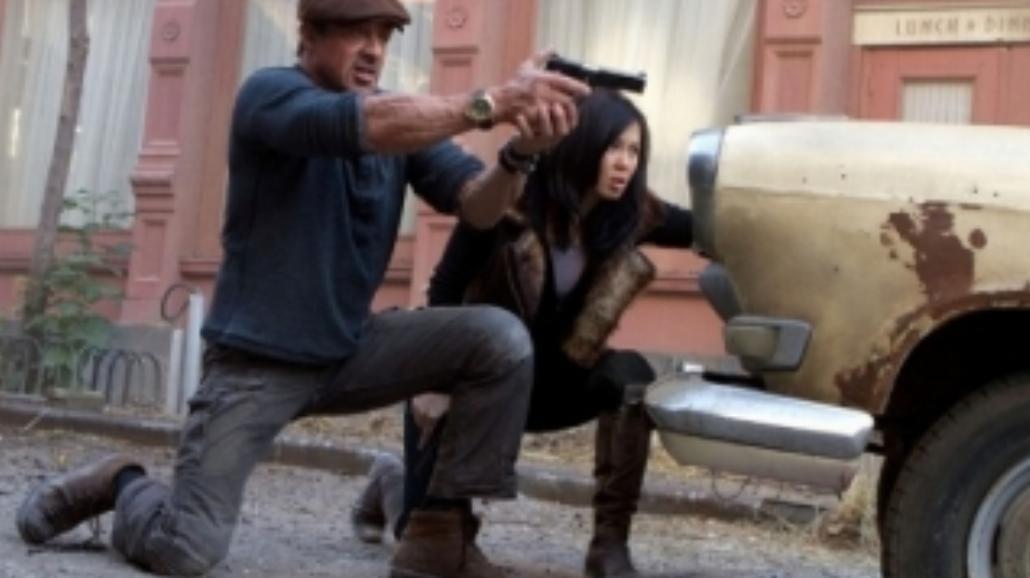 """""""Niezniszczalni 2"""" rządzą w box office"""