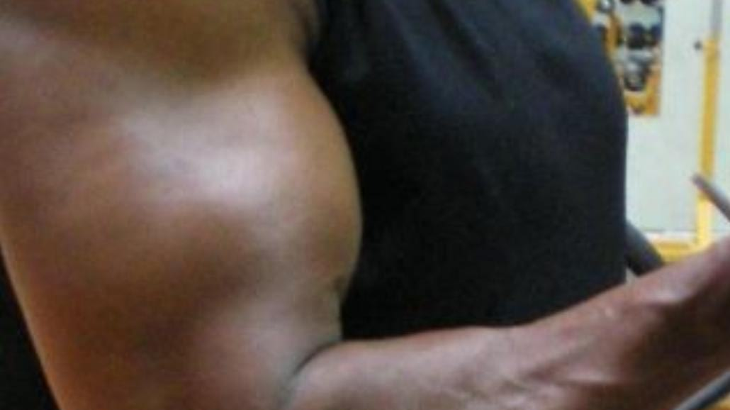 Potężne bicepsy symbolem męstwa i odwagi
