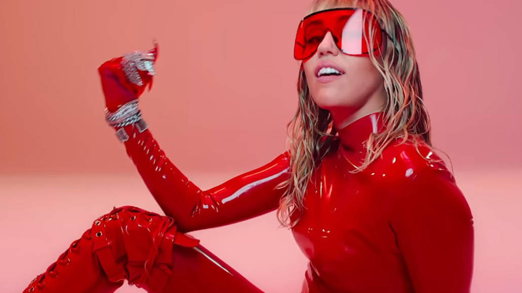 Miley Cyrus - Mother's Daughter