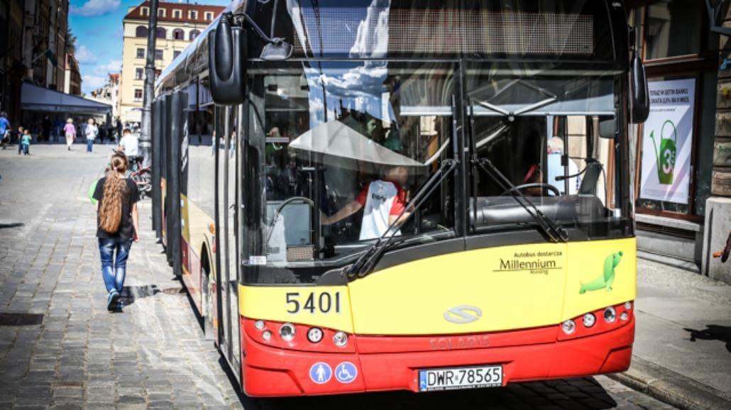 Taki autobus wyjedzie na ulice Wrocławia [ZDJĘCIA]