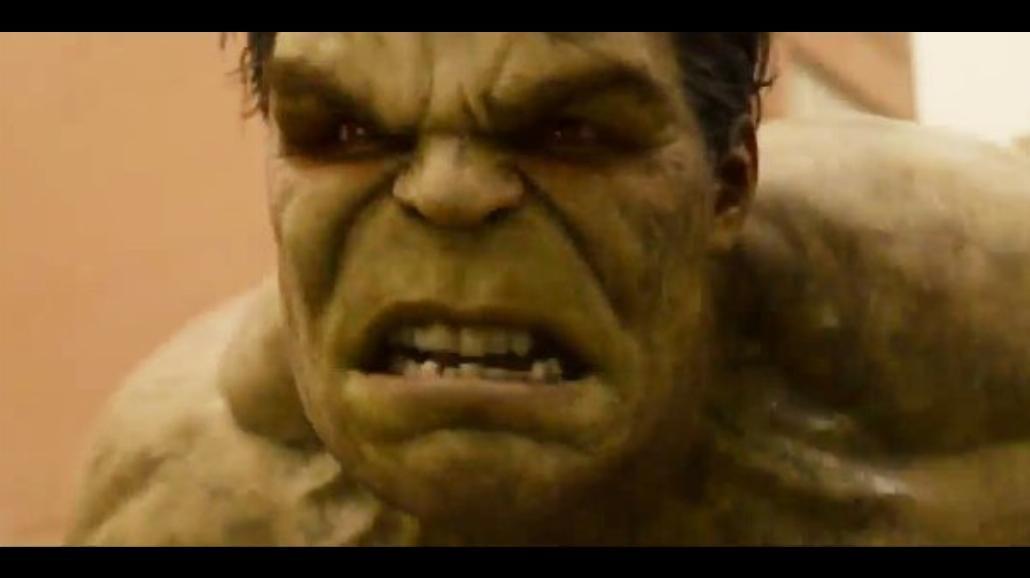 """Hulk pod wpływem klątwy. Nowy klip z """"Avengers. Czas Ultrona"""""""