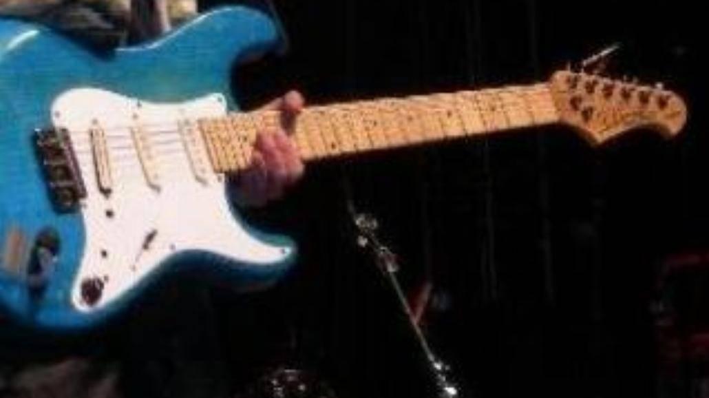Hurt szuka gitarzysty