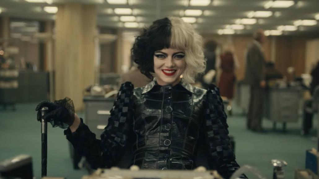 """""""Cruella"""" z Emmą Stone ma nowy zwiastun z polskim dubbingiem i opis fabuły [WIDEO]"""