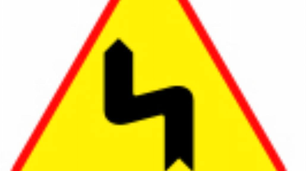 """A-4 """"niebezpieczne zakręty - pierwszy w lewo"""""""
