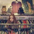 Jak wygląda praca w sklepie odzieżowym? Czy to dobre zajęcie dla studenta?