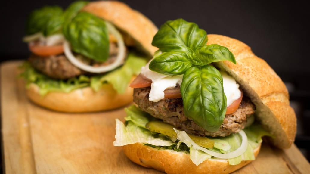 Przepis na domowe hamburgery