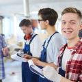 Ścieżka kariery w firmie produkcyjnej - wymagania, doświadczenie, wykształcenie, w Polsce