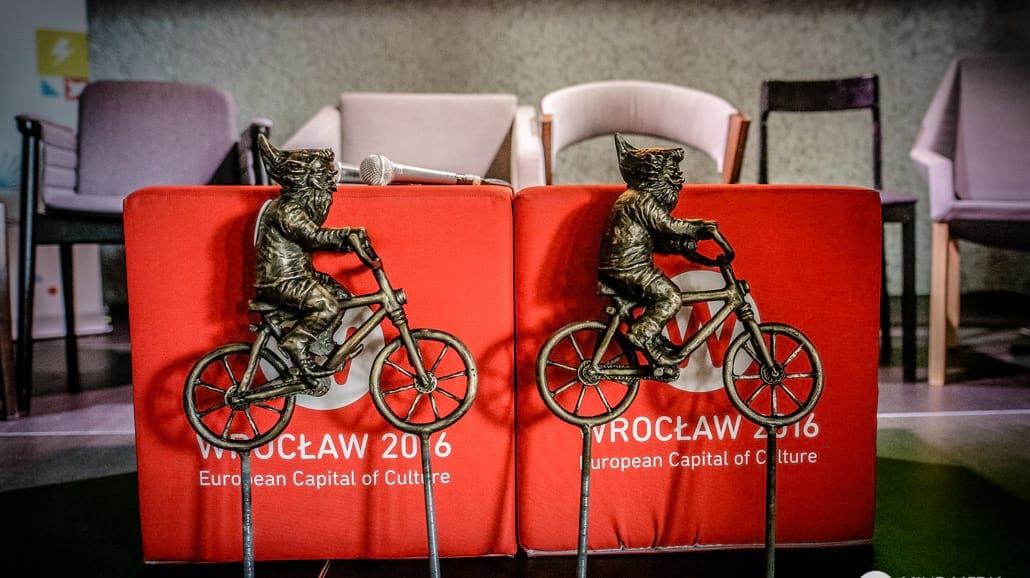 Duńskie i Wrocławskie krasnale wspólnie na rowerach