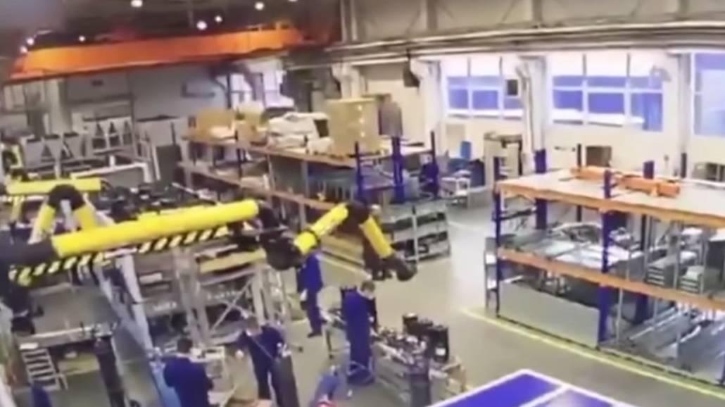 Zobacz filmik pokazujący zawalenie się dachu w fabryce koło Moskwy!