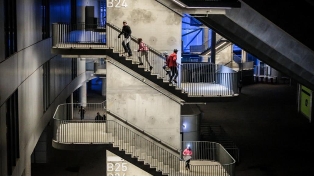 W nocy biegali po Stadionie Miejskim [ZDJĘCIA]
