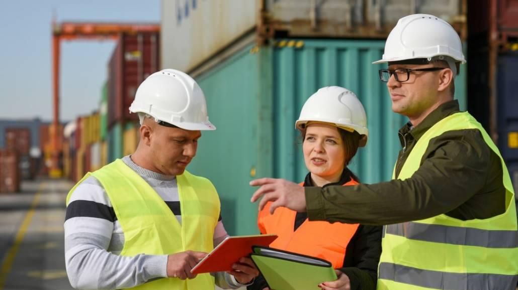 Rekrutacja na studia dualne na kierunku logistyka w WyÅźszej Szkole Bankowej trwa do 31 sierpnia.