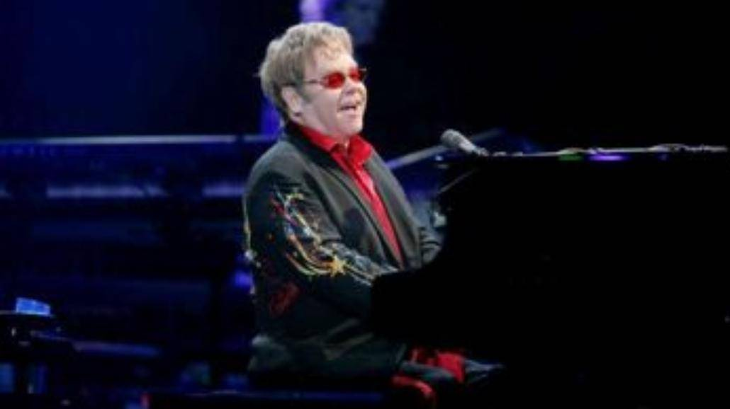 Studenci taniej na koncert Eltona Johna