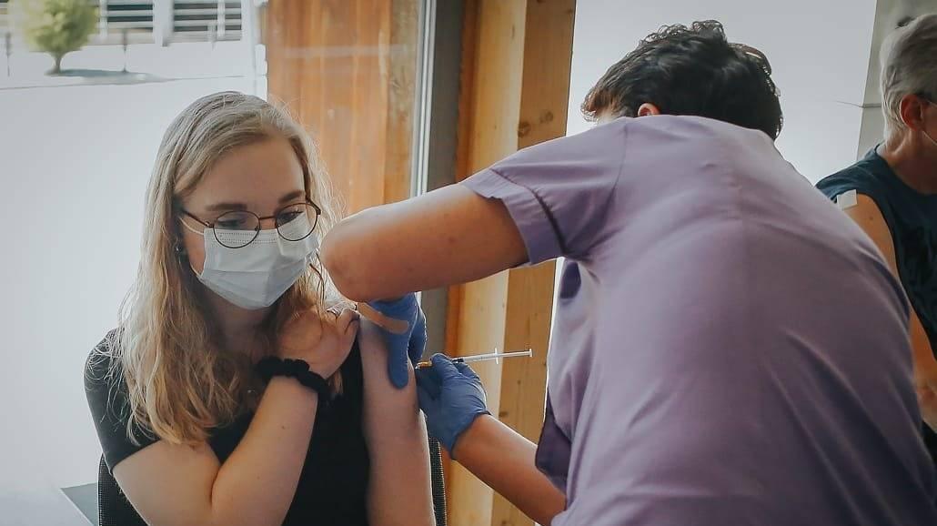 Szczepienia studentów w całej Polsce - najnowsze informacje