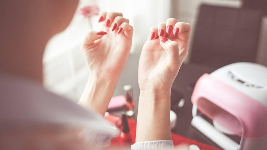 Zobacz jak zacząć swoją przygodę z manicure hybrydowym!
