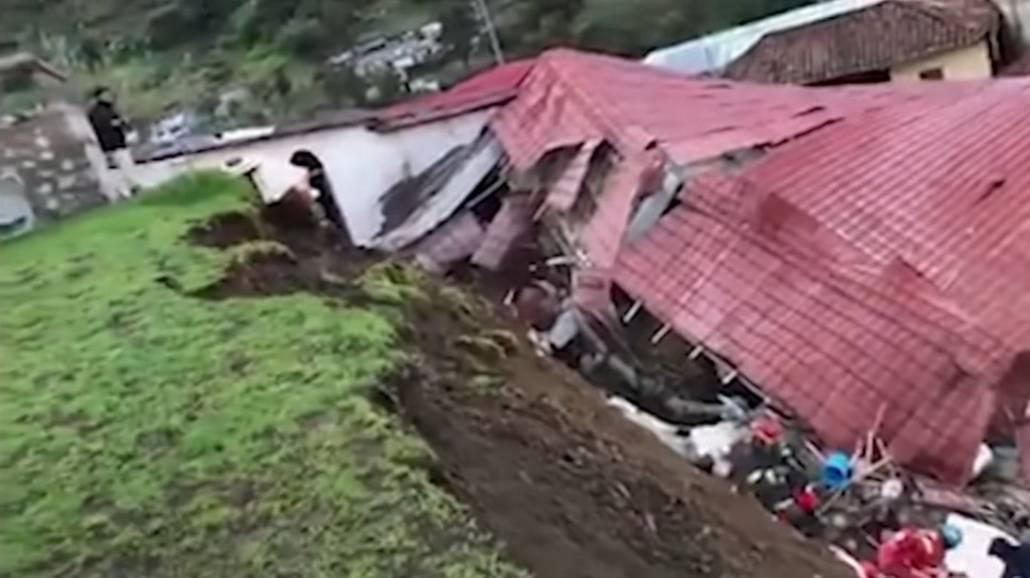 Zobacz, jakiej skali są zniszczenia wywołane przez zawalanie się budynku hotelu w Peru.
