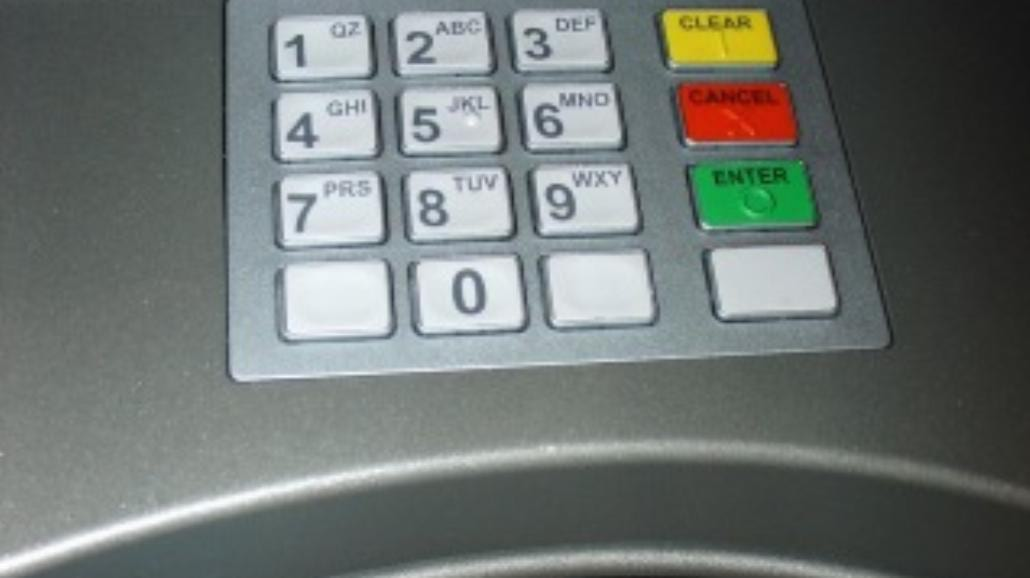 Przelewy z karty kredytowej – czy to opłacalne?